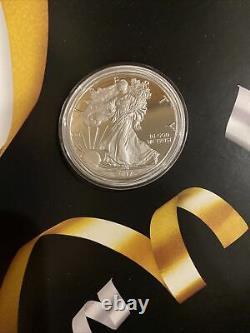 2017-s Us Mint Félicitations One Oz. Amèriccn Eagle Proof Coin Livraison Gratuite