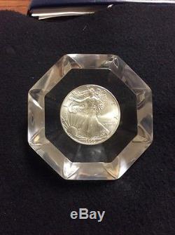 Presse-papiers Pour Revendeur Silver Eagle Aux États-unis, Année 2000. Rare Revendeur Seulement Article
